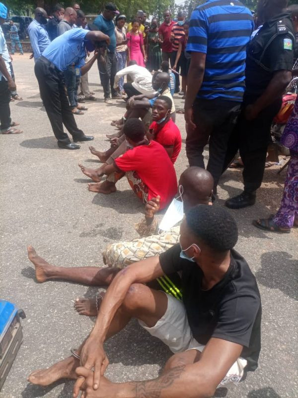 Police Detains Two #EndSARS Protest WhatsApp Group Admin