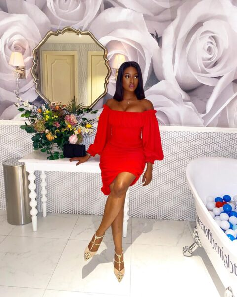 Kim Oprah poses in her Beautiful Outfit (Photos)