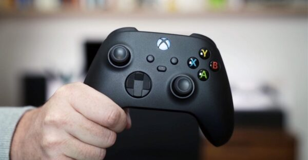 Microsoft, Apple Reportedly Team Tag To Develop Xbox Series X Adaptive Controller To iPhones & iPads