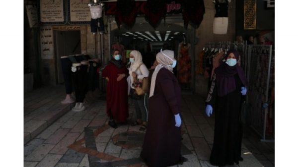 Israel considers alternatives to night curfew