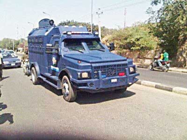 Police impound Two bullion vans moving cash without escort