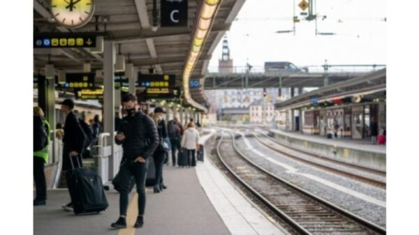 Sweden launches SMS campaign to alert citizens on Covid-19 rules