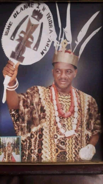 10 year old boy crowned King in Anambra1