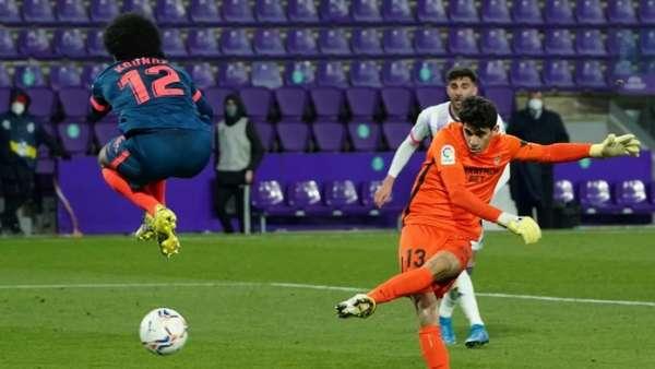 African players in Europe Sevilla goalkeeper 'Bono turns scorer