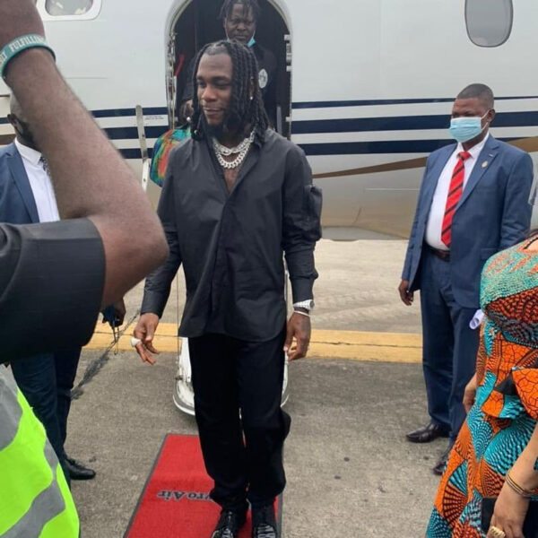 Burna Boy receives rousing welcome as he visits his homestate Rivers state after winning the Grammy award1