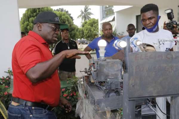 Gov Ikpeazu awards scholarship to 24 years old Abia born electricity transformer innovator