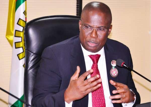 Nigerians should brace up for Petrol increment FG