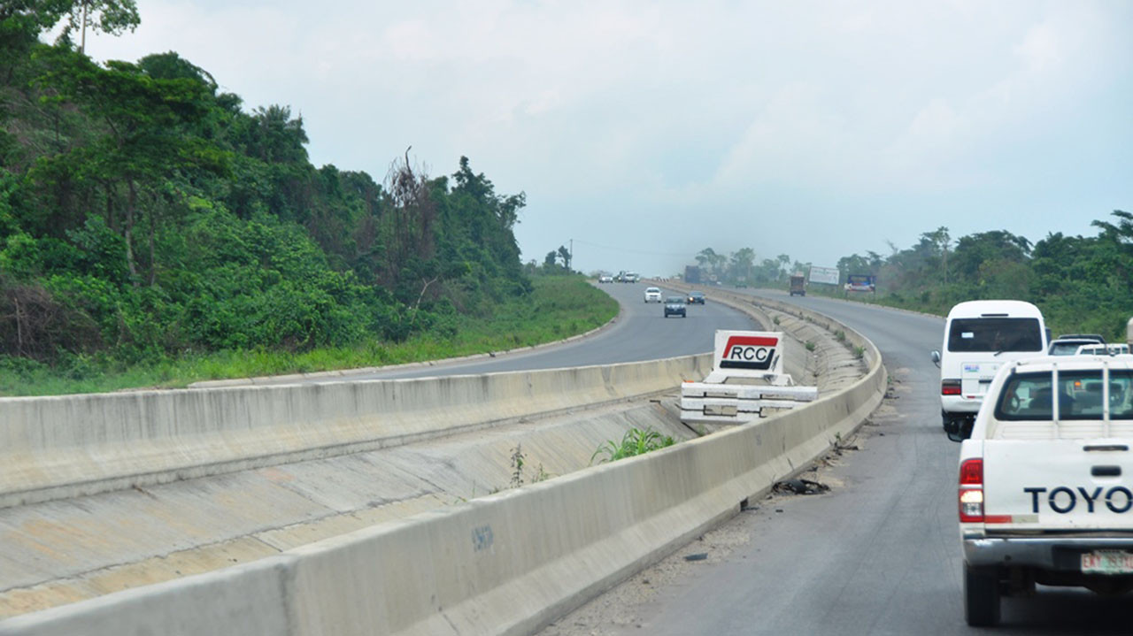 Two hawkers crushed to death along Lagos Ibadan expressway