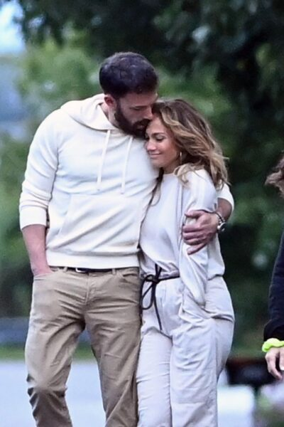 Bennifer spotted on cozy stroll in the Hamptons