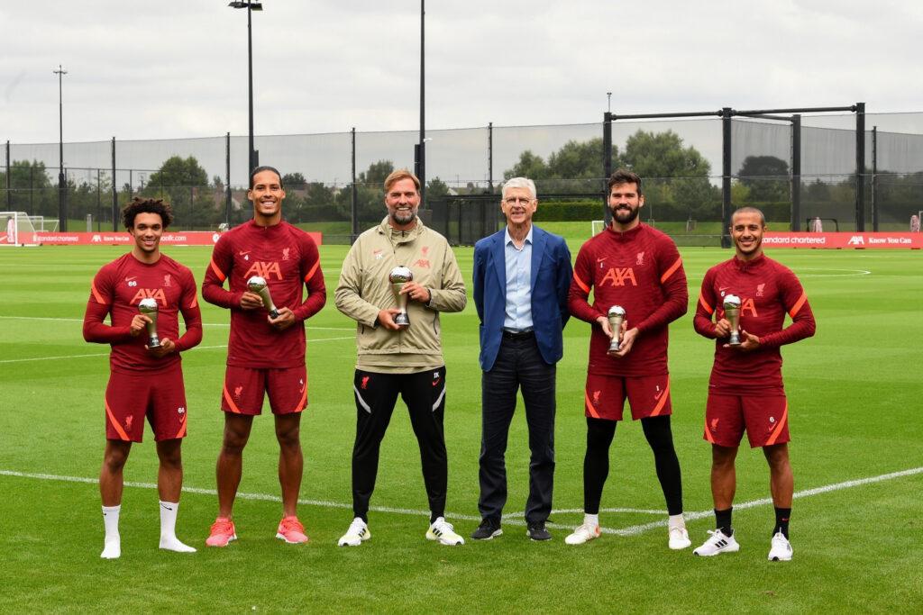 Arsene Wenger presents Jurgen Klopp and Liverpool stars With FIFA Awards photos