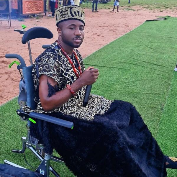 Gospel singer Gozie Okeke performs in a wheelchair