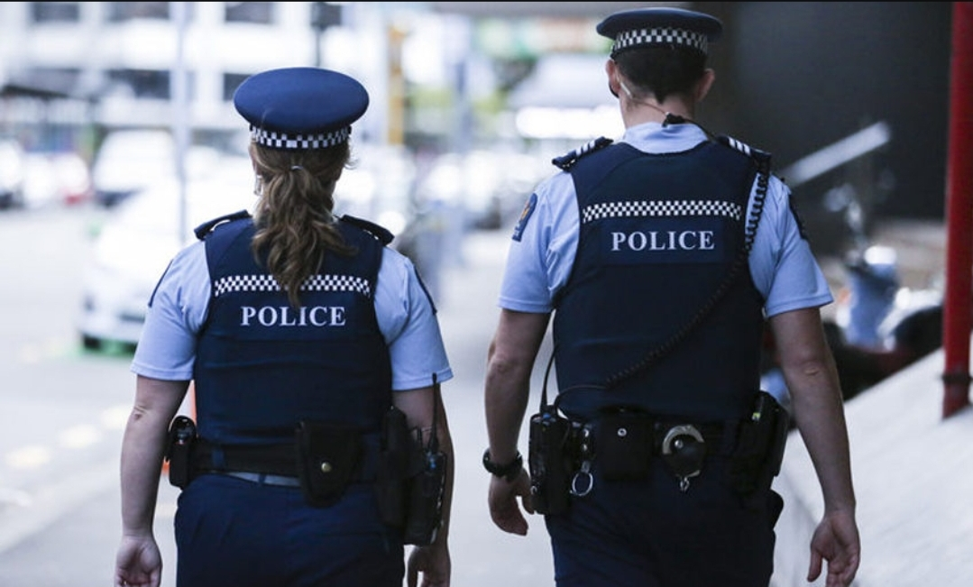 Quarantine absconder turns herself in to New Zealand police